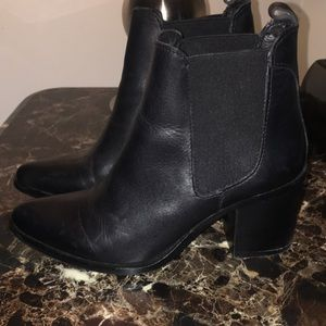 Steve Madden Black Leather Booties Size 6.5